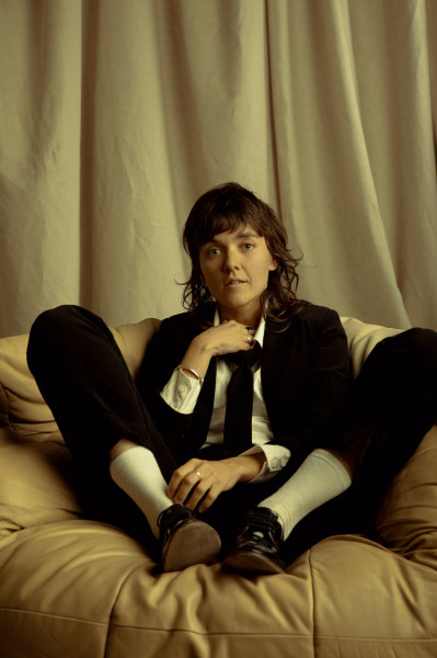 Courtney Barnett_photo by Lili Waters_LOW